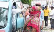 Епидемиолози: Най-вероятно е да се заразим с коронавируса вкъщи