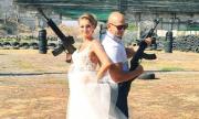 Бургаски младоженци се ожениха с калашници (СНИМКИ)