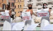 Булки в Италия излязоха на протест заради отменените сватби