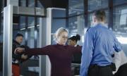 Проверяващи опипаха матките на жените на летището в Доха