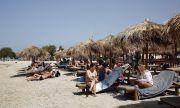 Жега! До 44 градуса в Гърция, фирми масово пускат служителите в отпуск
