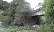 Товарен автомобил падна в река Чая