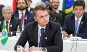 Бразилският президент ляга под ножа