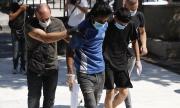 Гръцката полиция мести стотици мигранти от остров Лесбос в нов лагер