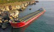 Транспортният министър за собственика на заседналия кораб: Безотговорно поведение!
