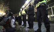 Ден 191: Каракачанов финтира протестиращите, замериха го с памперси