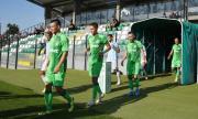 Седем футболисти запорираха сметките на роден клуб