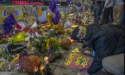 Сбогуване с една легенда: Тълпи от хора, мълчание и сълзи за Коби Брайънт (ВИДЕО)