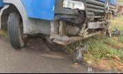 Камион влезе в двор на къща в козлодуйското село Гложене