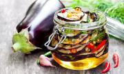 Рецепта за вечеря: Мариновани патладжани с чесън
