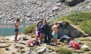 Младежи са се изкъпали в едно от Седемте рилски езера, нарушавайки забраната