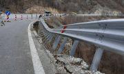 Отпуснаха милиони за ремонт на 100 метра стена от пътя Кричим – Девин