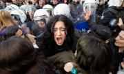 Удушена и залята с цимент: бруталните убийства на жени в Турция