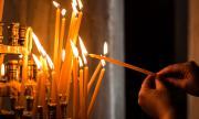 """Вирусът не затвори църквите в Гърция, защото """"светото причастие е лекарство"""""""