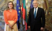 Топ US посланик за Афганистан бе на визита в София