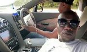 Кенийци блъснаха Bentley на живо