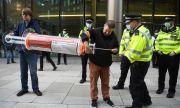 Сблъсъци и масови арести в Европа