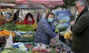Албания отваря магазините