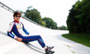 Синът на трикратен шампион във Формула 1 се пробва във Ф2