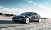Tesla кани случайни шофьори да тестват автопилота ѝ