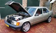 Mercedes-Benz 190 с двигател от 600 SEL (ВИДЕО)
