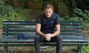 Запорираха апартамента на Навални