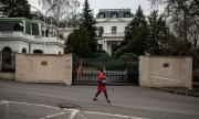 "Преименуваха на ""Борис Немцов"" площада пред посолство на Русия"