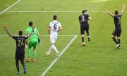 На раздяла с мнозина: Байерн разби Аугсбург, Левандовски счупи голов рекорд