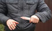 Баща и син заплашиха с нож и убийство мъж в Разградско