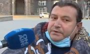 Откараха в болница обявилия гладна стачка протестиращ