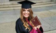 Петя Дикова се дипломира след 10 години