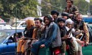 Талибаните забраниха на бръснарите да подстригват бради