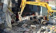 Расте броят на загиналите в Турция от земетресението
