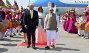 Доналд Тръмп пристигна в Индия