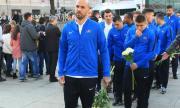 Ники Михайлов се сбогува емоционално с дядо си (СНИМКА)