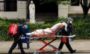Пандемия в САЩ: 820 смъртни случая само за последното денонощие