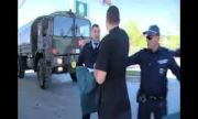 """Активисти на """"АТАКА"""" блокираха военен кордон на Турция край Търговище (ВИДЕО)"""
