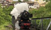 Празничен ретро влак потегли на Гергьовден