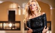 Певица на Слави чака бебе от 20 години по-възрастен мъж