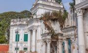 Любовна драма затри кралската династия в Непал