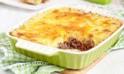 Рецепта за вечеря: Запеканка с тиквички, картофи и кайма