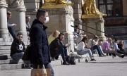 Швеция иска да увеличи броя на медиците си в разгара на епидемията