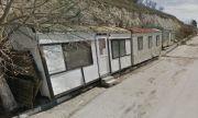 Кметът на Каварна разчиства града от грозни бараки и фургони