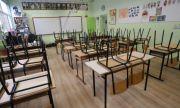 МОН ще пресича опитите за политизация в образователната система