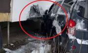 Джип се заби в жилищен блок в София (ВИДЕО)