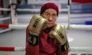 Уникален пример! 75-годишна жена бори Паркинсон с бокс (ВИДЕО)