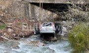 200 лева глоба за шофьора, паднал с колата си в река във Враца
