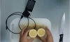 Когато животът ти поднесе лимони – зареди си смартфона... (Видео)