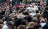 Папа Франциск позна свой мъничък двойник
